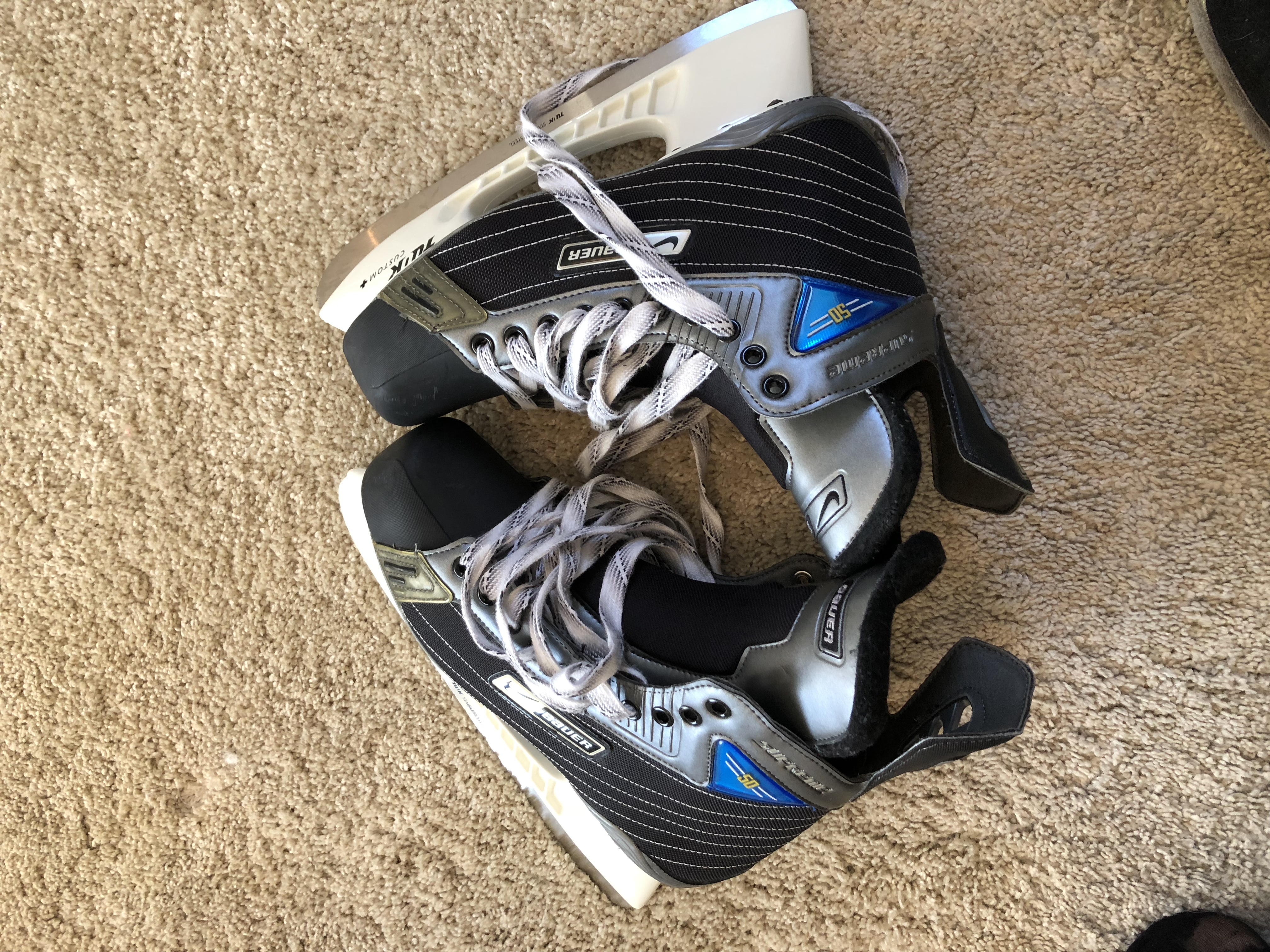 Patin bauer supreme 50 taille 10EE neuf